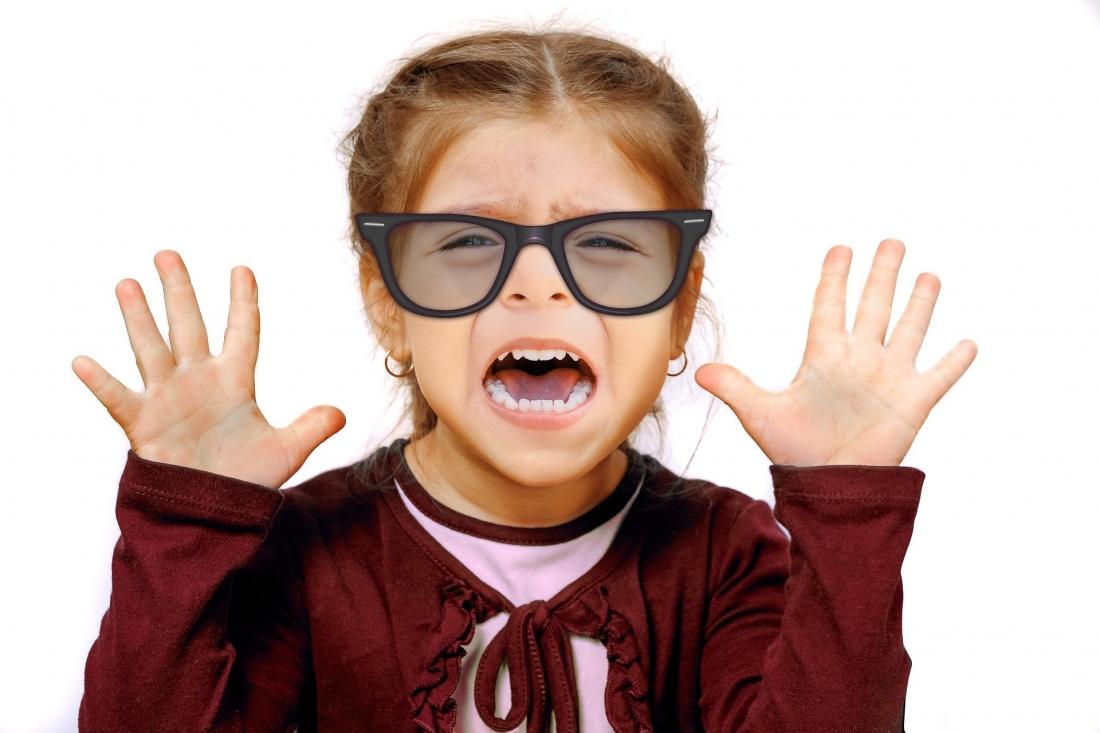 ¿Pueden llevar lentes de contacto los niños?